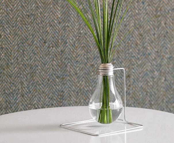 Villanykörte-váza
