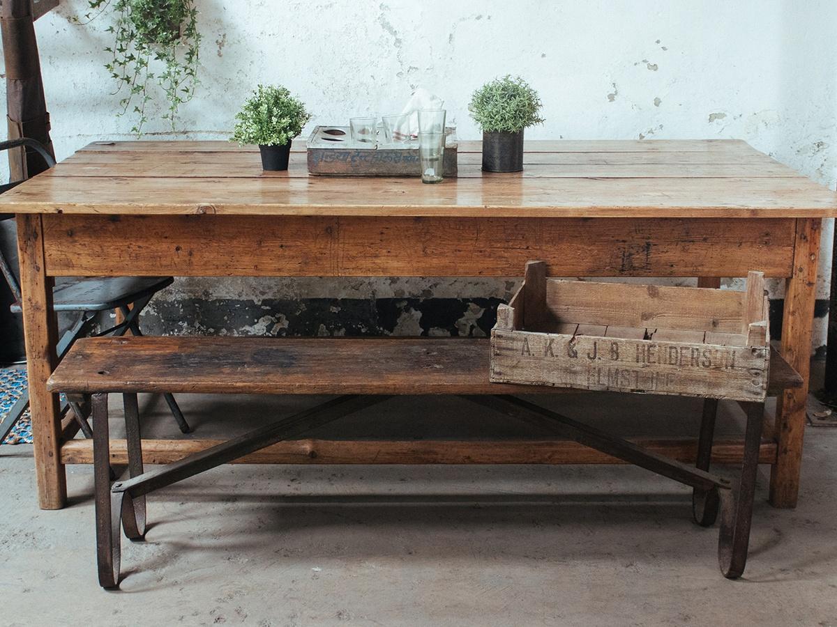 Fenyő - fa bútorok